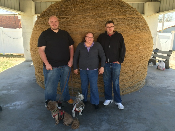 Some of Blue Cat's family and the World's Largest Ball of Twine
